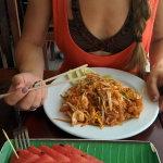 Блюда с морепродуктами стоили около 100-150 рублей