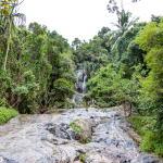 Высота водопада около 80 м