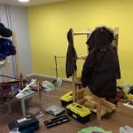 Это малый зал в рабочем беспорядке