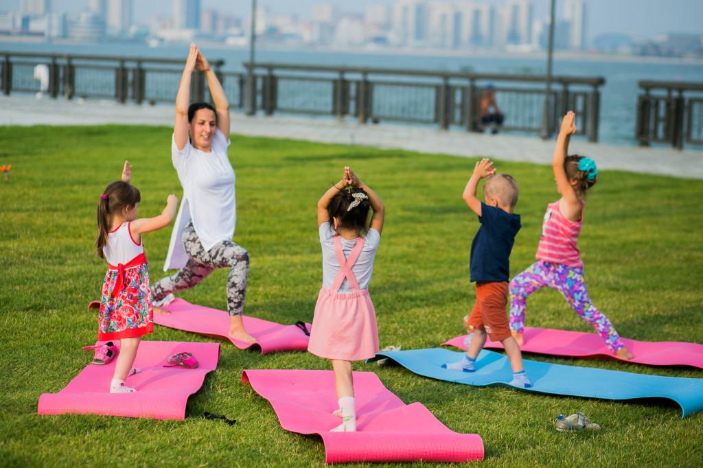 Картинки ребенка йога