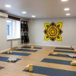 Большой зал йога в Казани